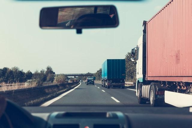 Czy warto skorzystać z faktoringu dla transportu?