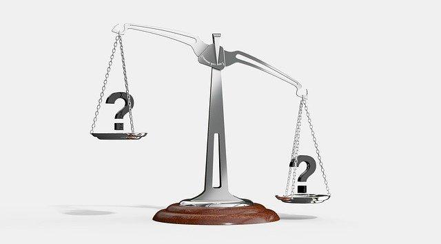 Jakie są wady i zalety faktoringu?